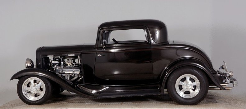 1932 Ford Coupe Image 9