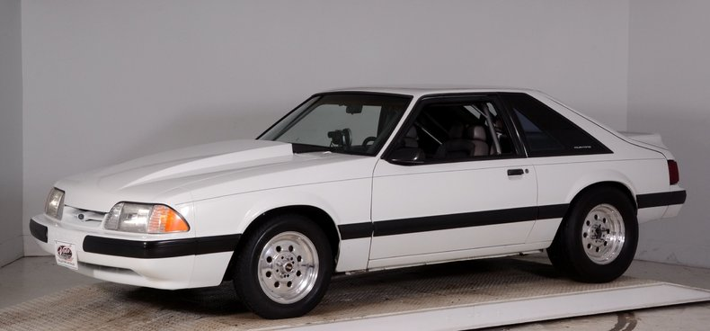 1991 Ford Mustang Image 24
