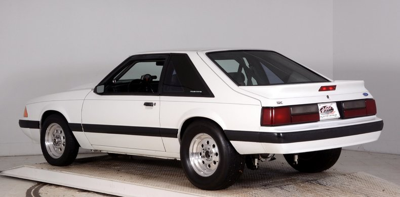 1991 Ford Mustang Image 28