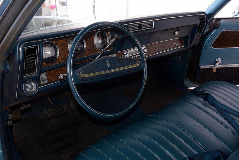1970 Oldsmobile Cutlass Image 2