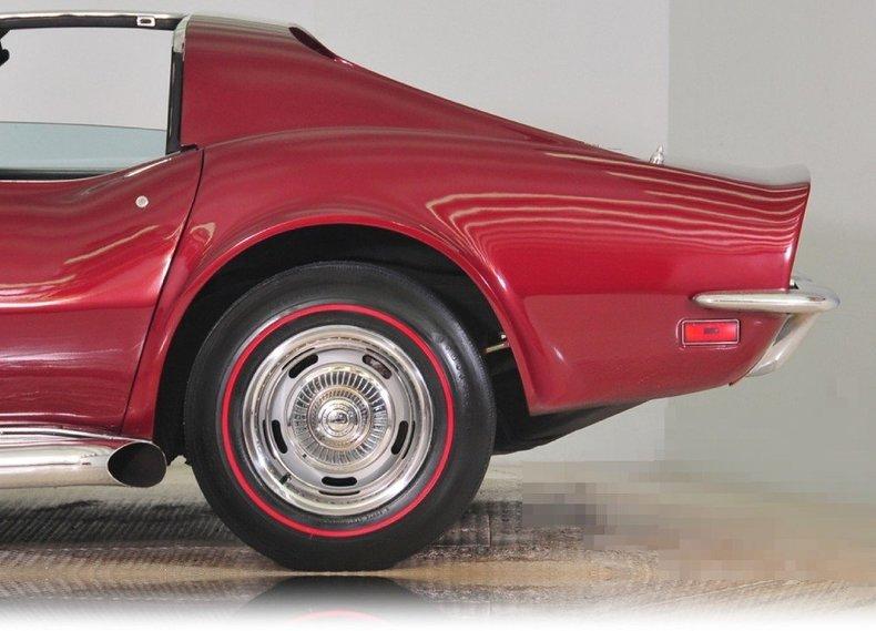 1972 Chevrolet Corvette Image 11