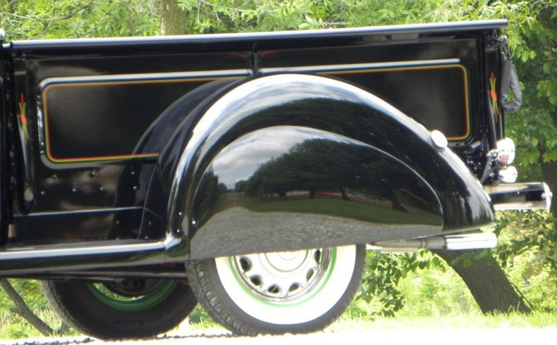 1940 Ford  Image 3