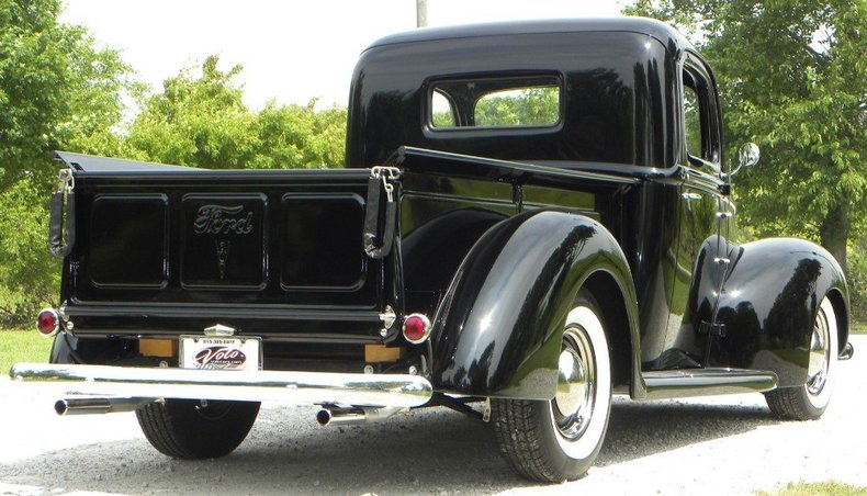 1940 Ford  Image 22