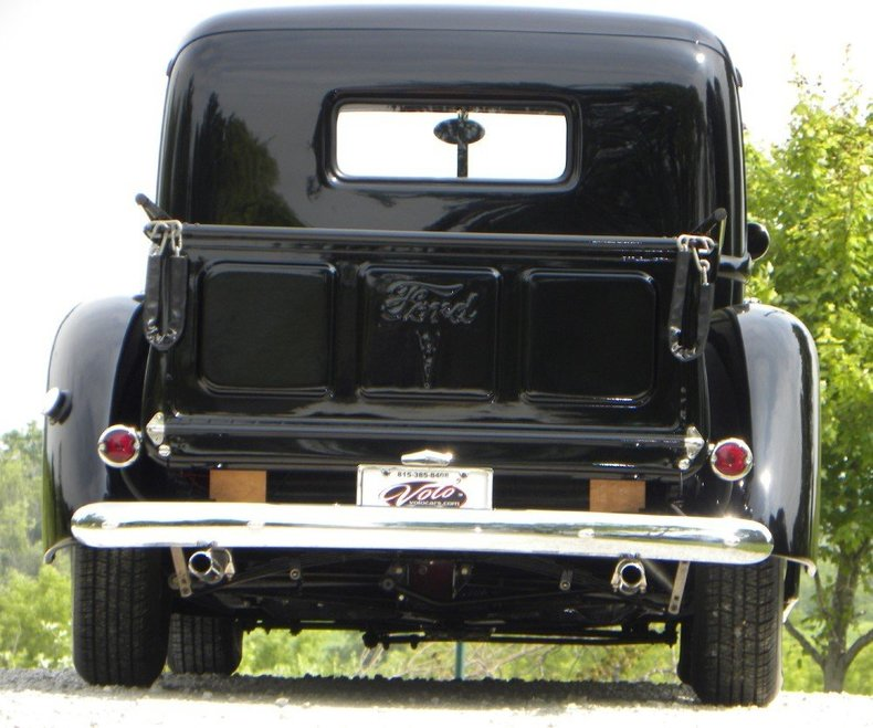1940 Ford  Image 23