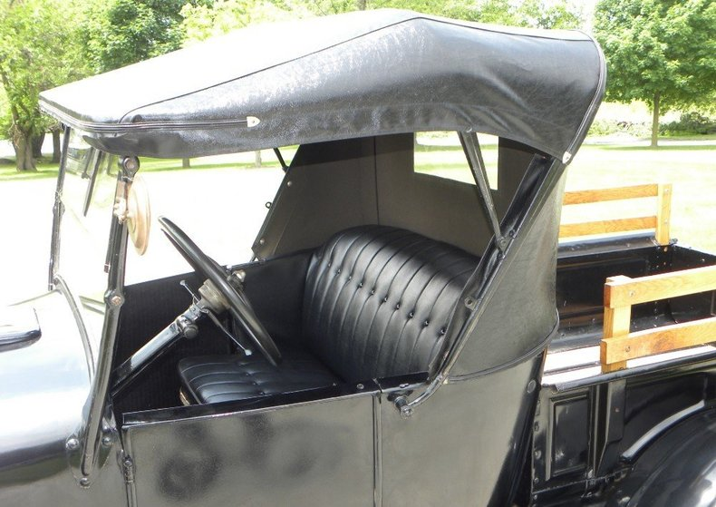 1927 Ford Model T Image 10