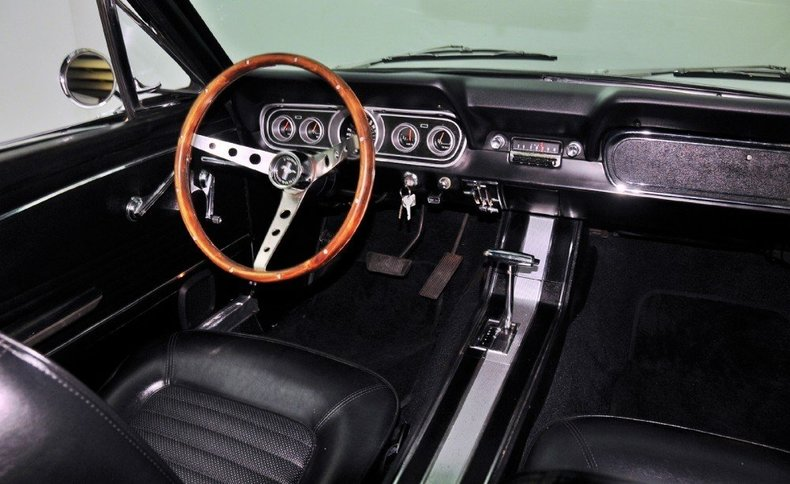 1966 Ford Mustang Image 8