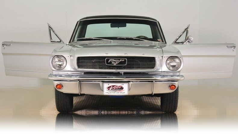 1966 Ford Mustang Image 25