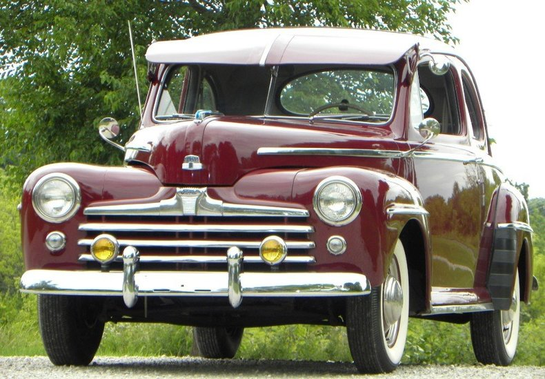 1947 Ford Deluxe Image 4