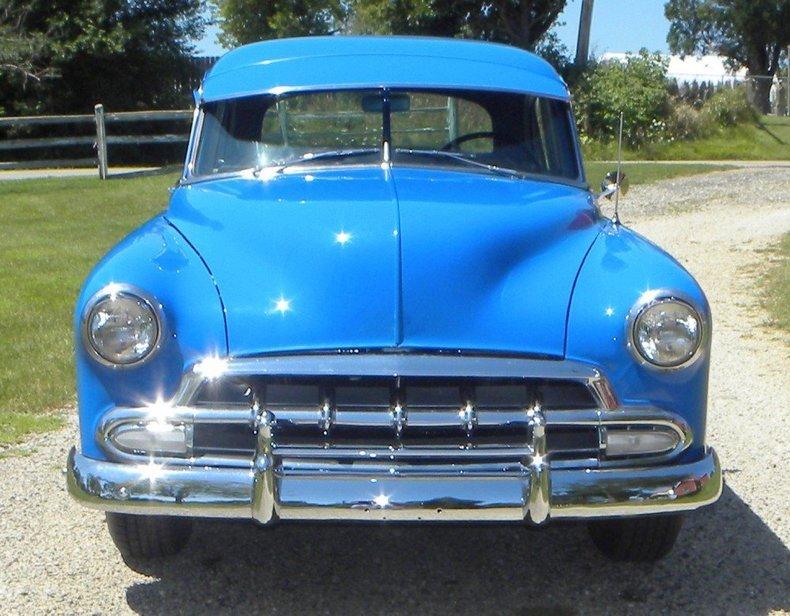 1952 Chevrolet Sedan Image 2