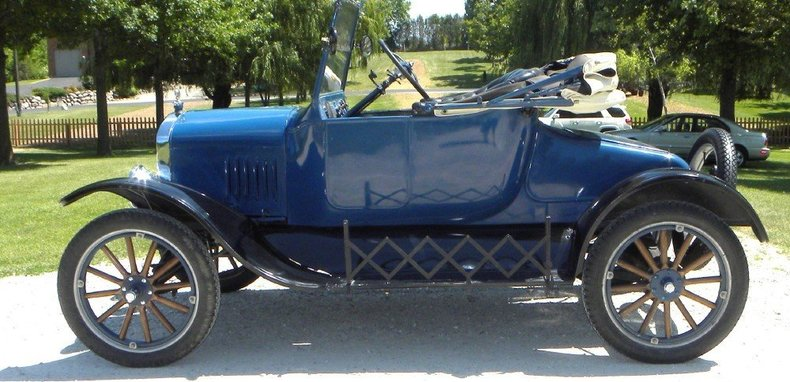 1924 Ford Model T Image 2