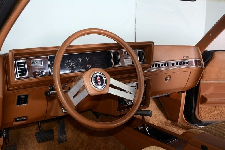 1979 Oldsmobile Cutlass Supreme Image 2