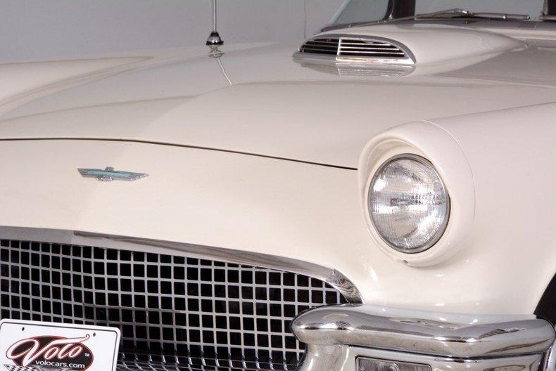 1957 Ford Thunderbird Image 8