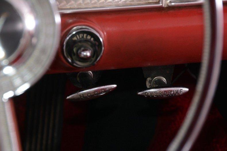 1957 Ford Thunderbird Image 10