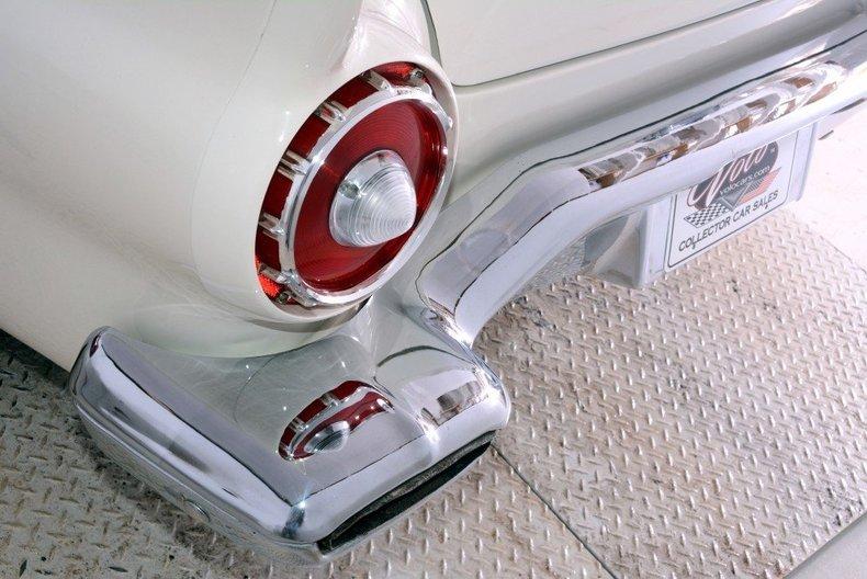 1957 Ford Thunderbird Image 27