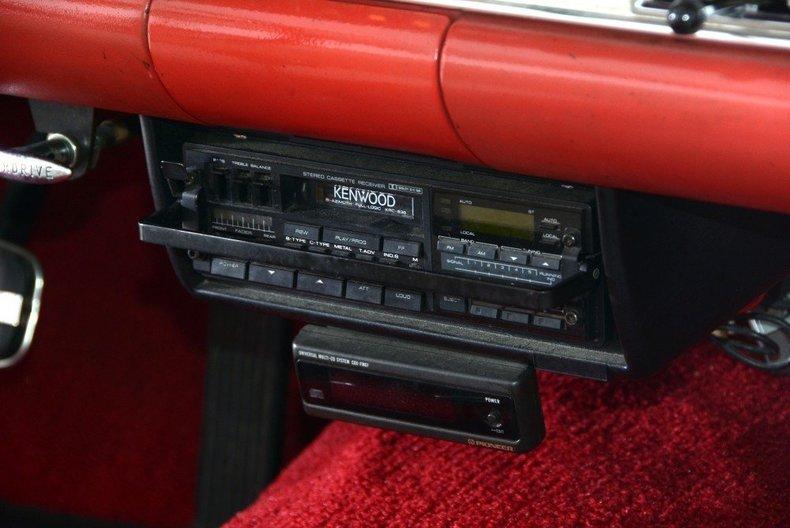 1957 Ford Thunderbird Image 31