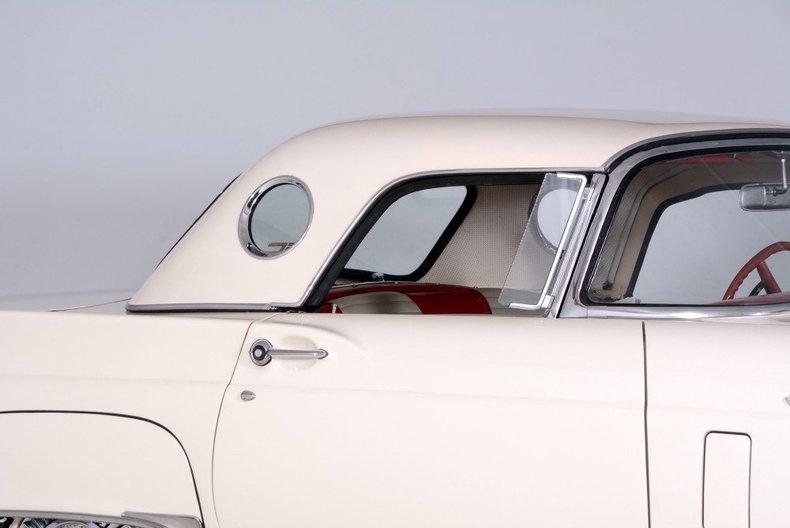1957 Ford Thunderbird Image 33