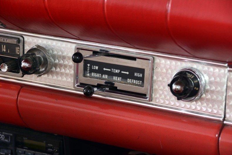 1957 Ford Thunderbird Image 45