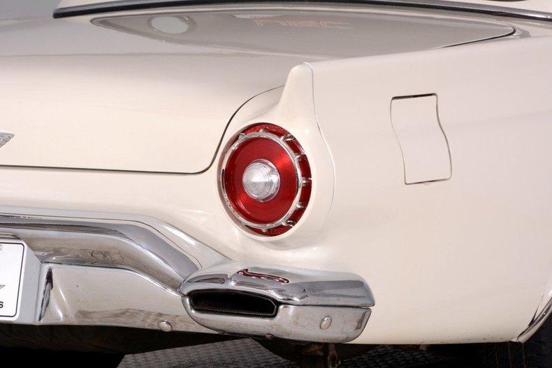 1957 Ford Thunderbird Image 46