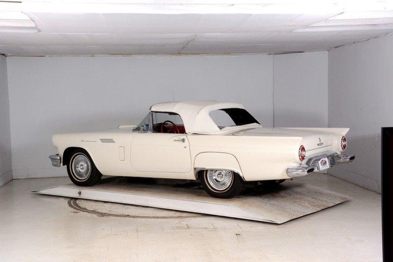 1957 Ford Thunderbird Image 48