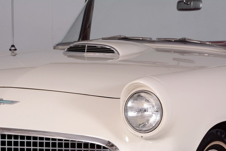 1957 Ford Thunderbird Image 71