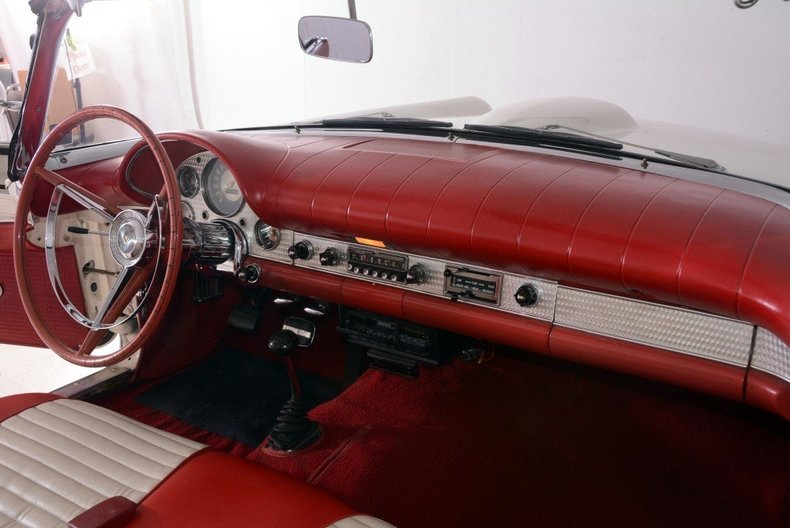 1957 Ford Thunderbird Image 74
