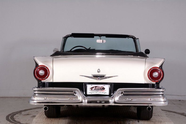1957 Ford Fairlane Image 19