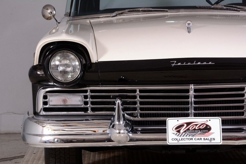 1957 Ford Fairlane Image 27
