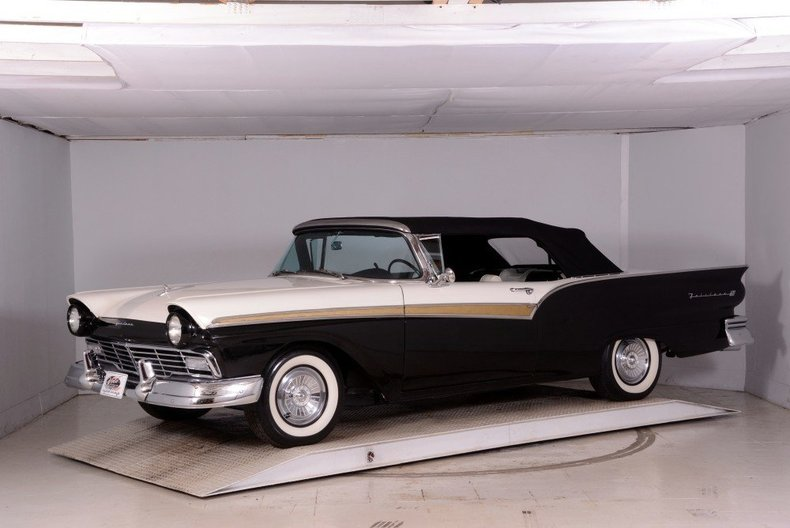 1957 Ford Fairlane Image 42