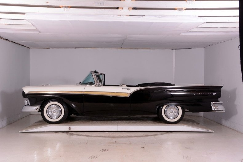 1957 Ford Fairlane Image 58