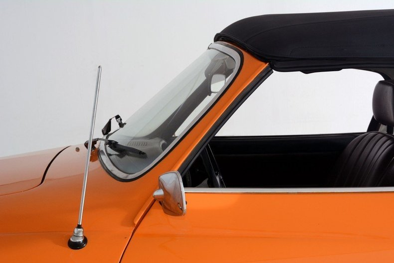 1973 Volkswagen Karmann Ghia Image 6