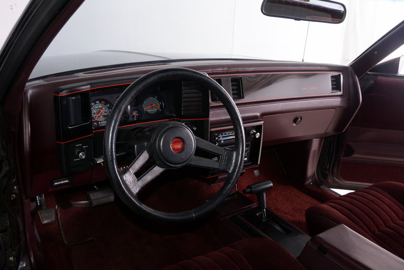1986 Chevrolet Monte Carlo Image 2