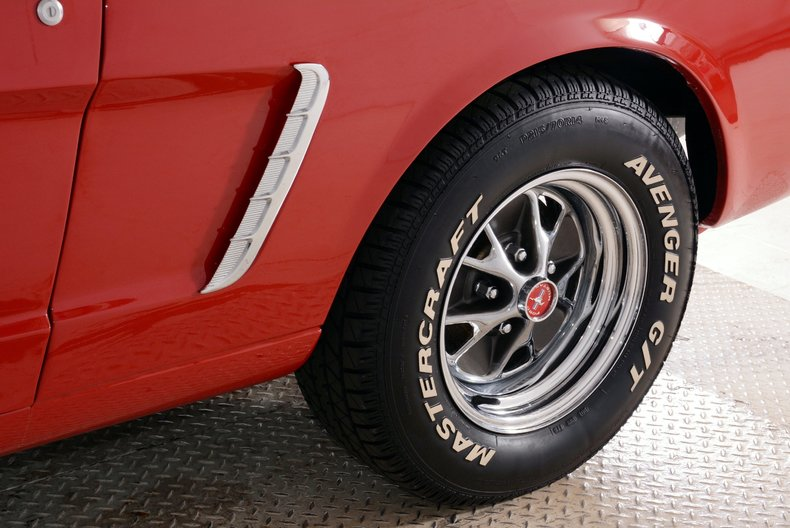 1965 Ford Mustang Image 25