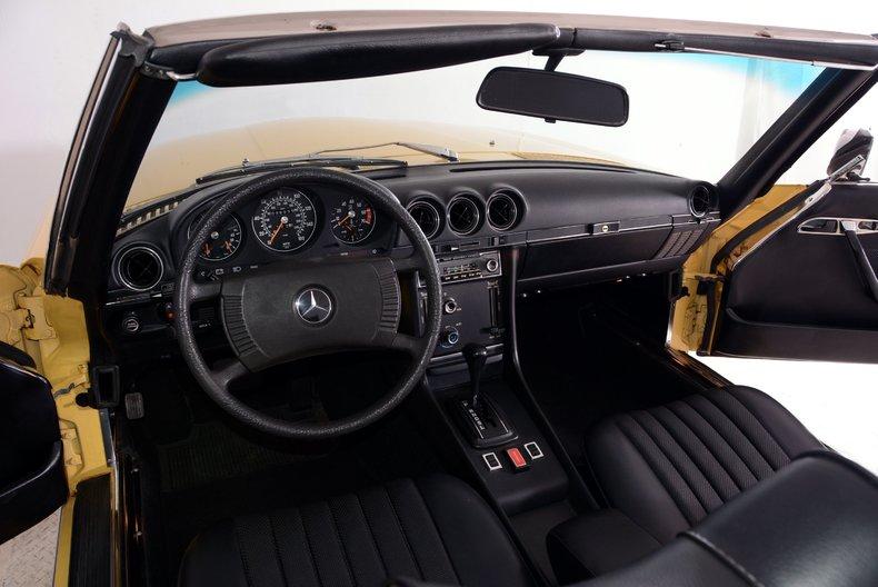 1977 Mercedes-Benz 450SL Image 2