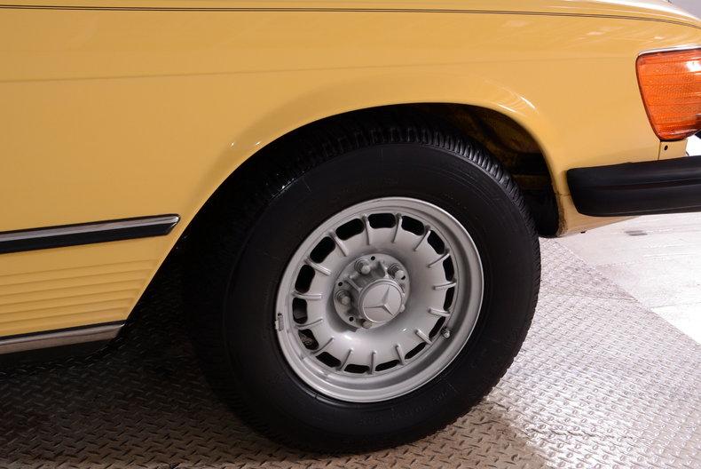 1977 Mercedes-Benz 450SL Image 12