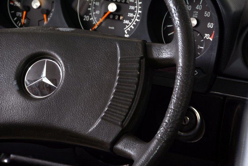 1977 Mercedes-Benz 450SL Image 13