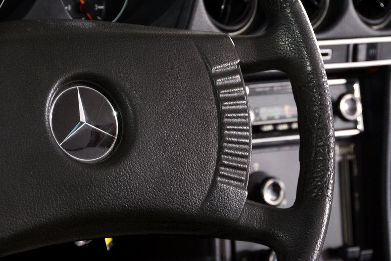 1977 Mercedes-Benz 450SL Image 24