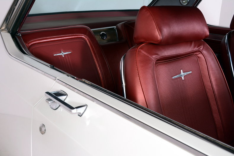 1964 Chrysler 300 Image 5