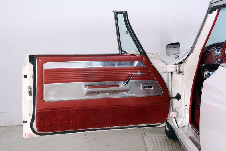 1964 Chrysler 300 Image 23
