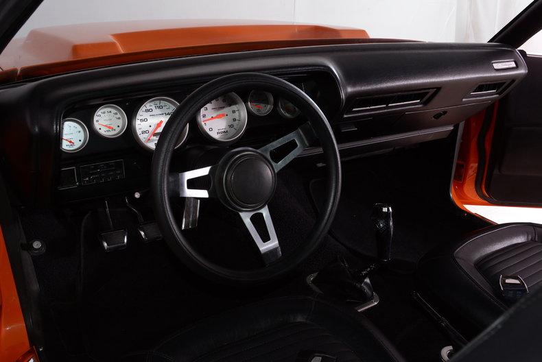1971 Dodge Challenger Image 2