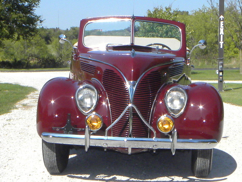 1938 Ford Model 81A Image 2