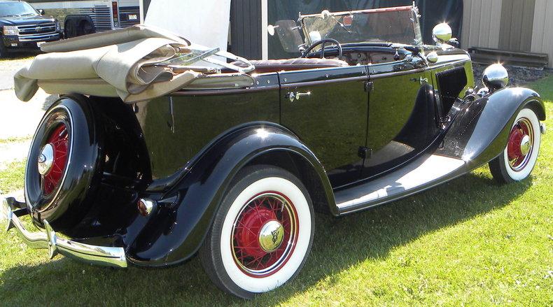 1934 Ford Model 40 Image 10