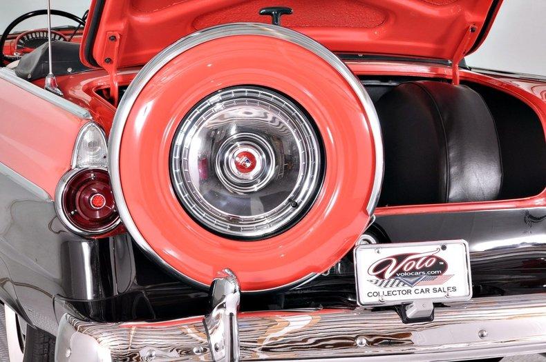 1955 Ford Sunliner Image 5