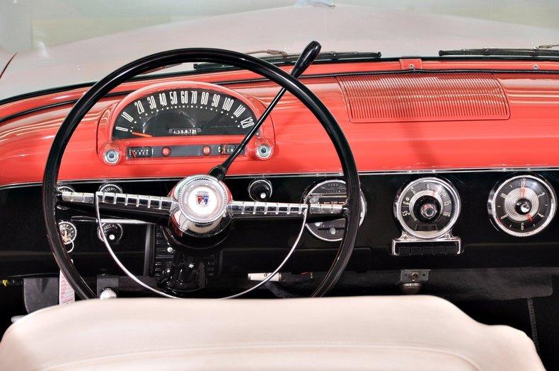 1955 Ford Sunliner Image 7