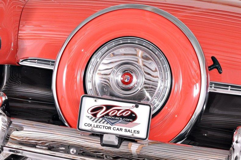 1955 Ford Sunliner Image 15