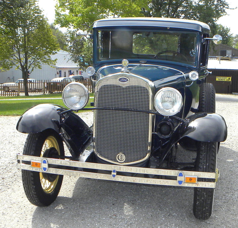 1930 Ford  Image 9