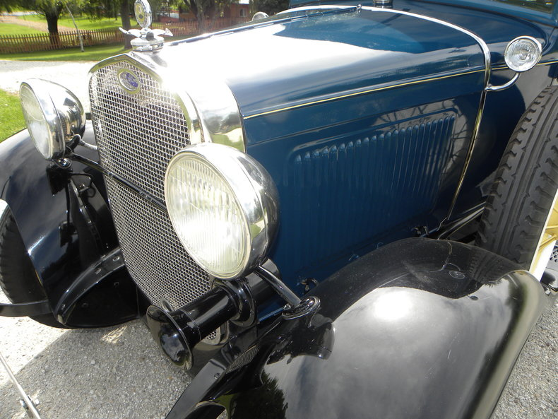 1930 Ford  Image 13