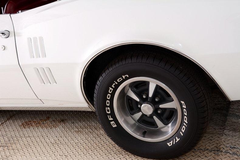 1967 Pontiac Firebird Image 10