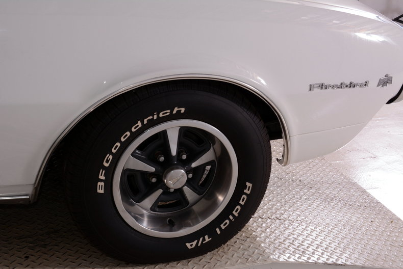 1967 Pontiac Firebird Image 30