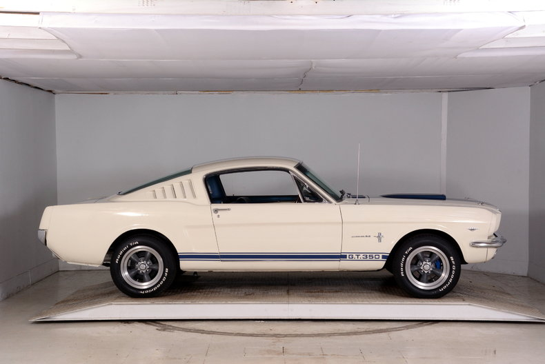 1965 Ford Mustang Image 44