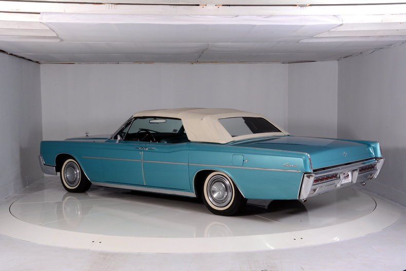 1967 Lincoln Continental Image 19